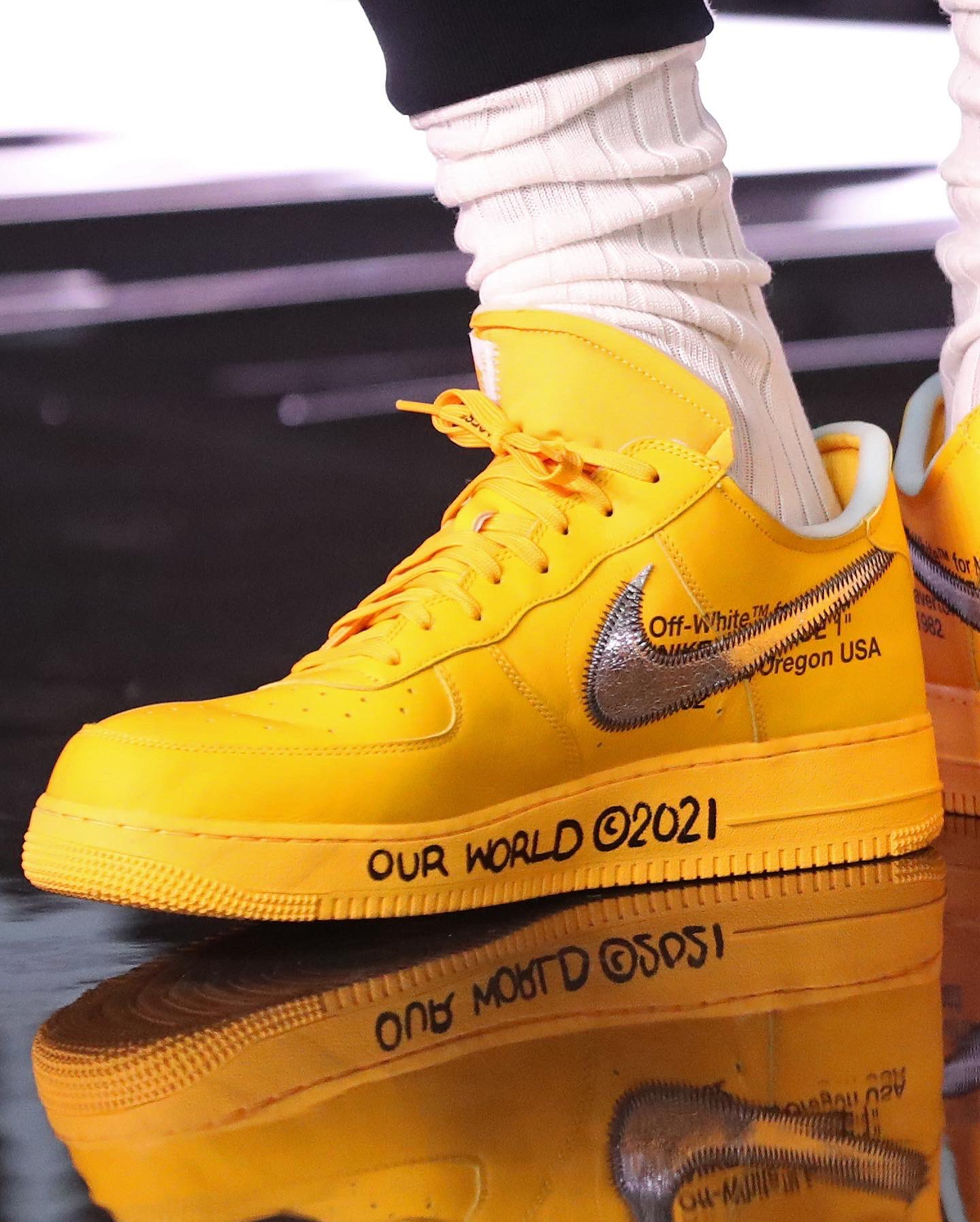 """First Look at the Off-White x Nike Air Force 1 """"University Gold"""""""